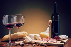 Reasons Why A Fine Wine Compliments Food