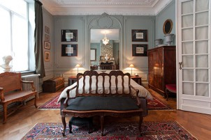 Reasons to Bring Changes to Your Interior with Antique Furniture