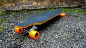 Reasons to Commute With a Longboard and What to Look for in a Longboard