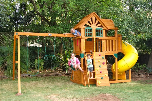 Childrens Cubby House