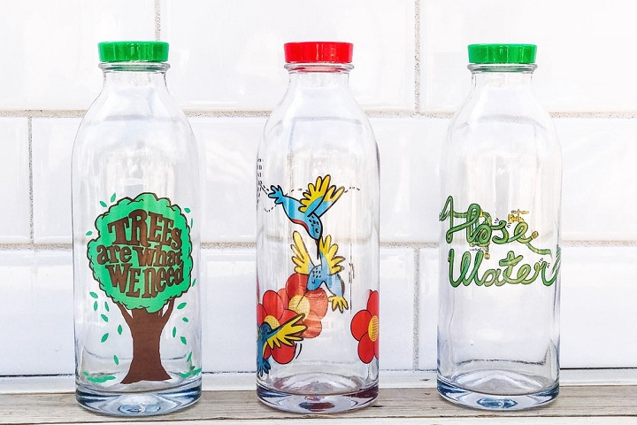 reusable glass water bottles