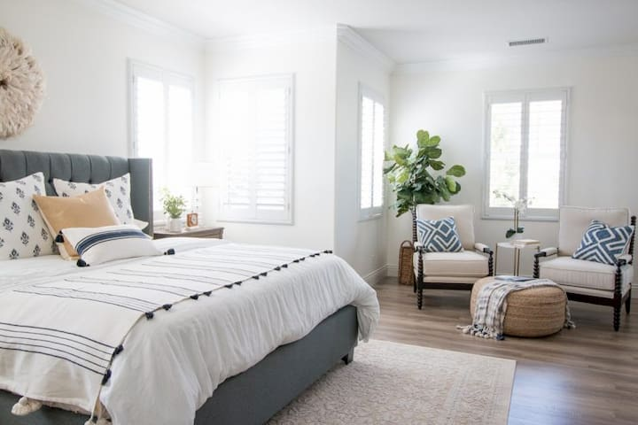 modern bedroom bedding