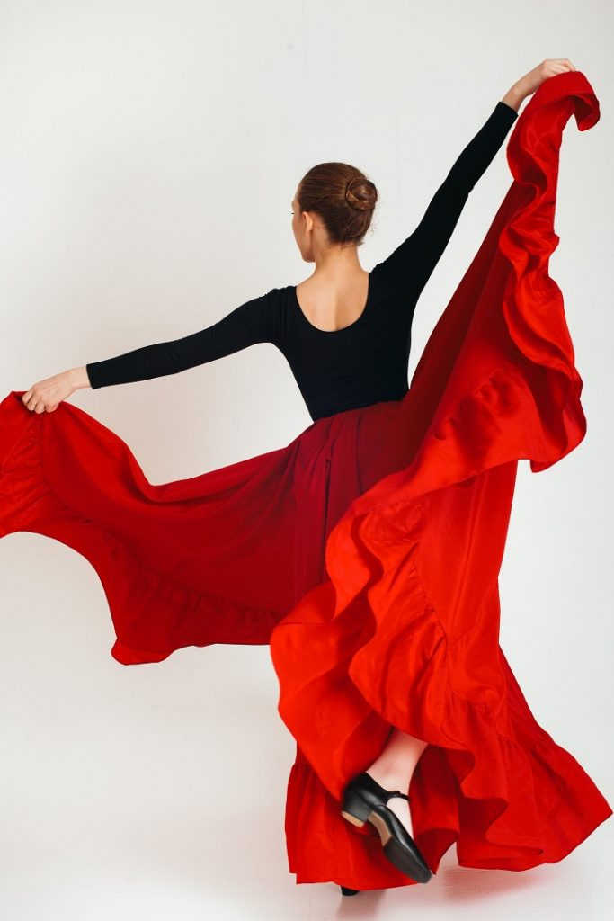 picture of a woman dancing jazz dance